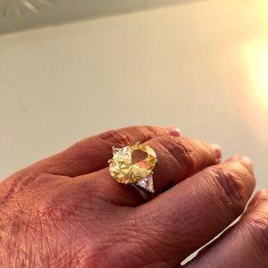 Gorgeous lemon crystal ring